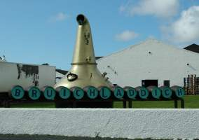 The Bruichladdich whisky distillery (Photo by www.awa.dk)